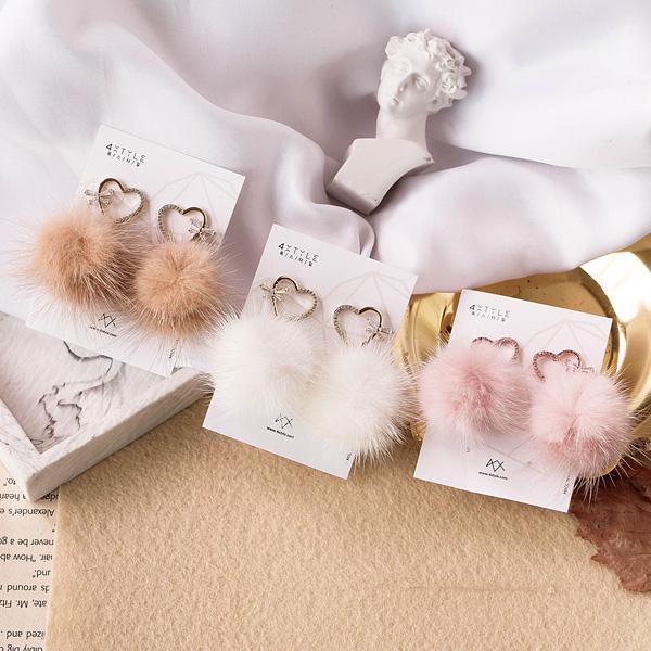 러블리 밍크 귀걸이 이미지